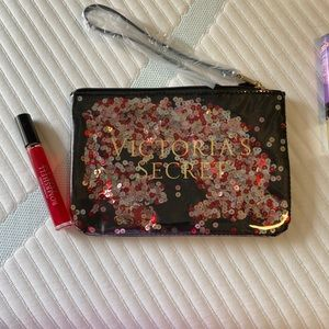 VS wristlet and rollerball